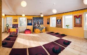 Åbent Tempel og bogcafé i Øsal Ling