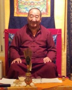 Lakha Lama udfører buddhistisk tilflugtsceremoni