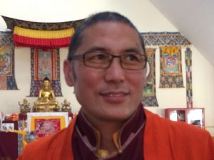 Dza Kilung Rinpoche holder Dzogchenretreat på Gomdé