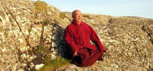 Filmforedrag m. Khenpo Rinpoche m. support fra Dharmalærer Birgit Scott